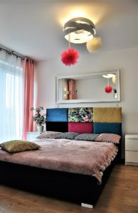 https://kolorowem.pl/wp-content/uploads/2019/02/KoloroweM-Panele-tapicerowane-pop-194x300.jpg